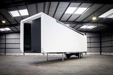 Hybrid trailer Roadshow